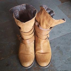 Size 9 Steve Madden Cognac Brewzzer Boots